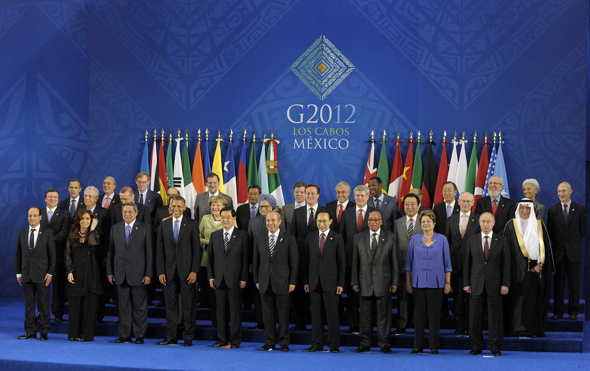 2012 G-20 Mexico summit group photo. Gobierno de Chile / Flickr.