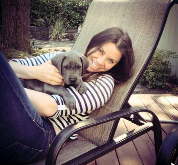 Brittany Maynard with her puppy, Charlie.  (Facebook photo)