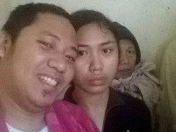 David Saavedra took this 'selfie' with sister Veronica on November 8, 2013 as super typhoon 'Haiyan' ripped through Visayas.