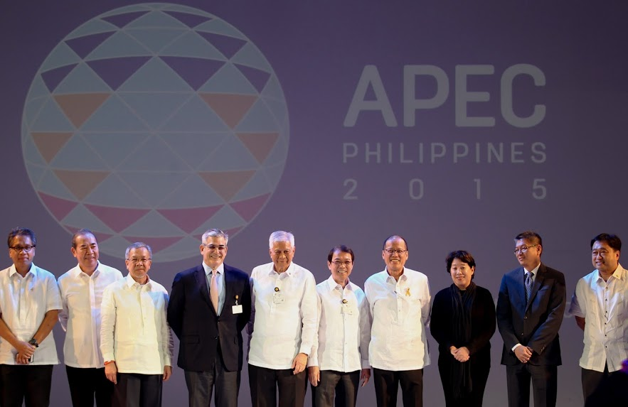 President Benigno S. Aquino III graces the official launch of the APEC Logo during the Asia-Pacific Economic Cooperation (APEC) 2015 kick-off ceremony at The Eye Ballroom of the Green Sun Hotel in Pasong Tamo Extension, Makati City on Monday night. (Photo by Robert Viñas / Malacañang Photo Bureau)