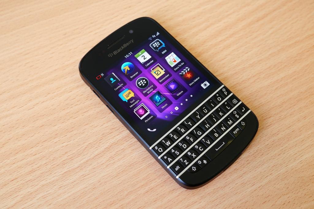 Blackberry Q10 (Wikipedia photo)