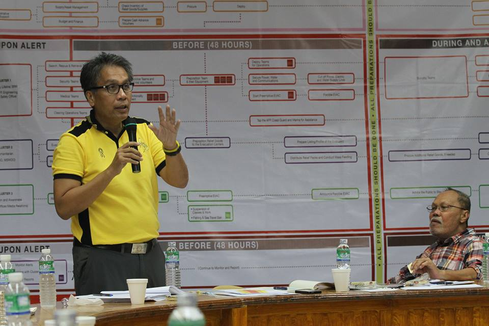 Secretary Roxas ordered all personnel of the Philippine National Police, the Bureau of Jail Management and Penology, the Bureau of Fire Protection, regional offices of the DILG, and of the LGUs in areas forecast to be affected by 'Ruby' to be on heightened alert and cancel their leaves of absence to ensure the safety of the people (Official Gazette of the Republic of the Philippines' Facebook page)
