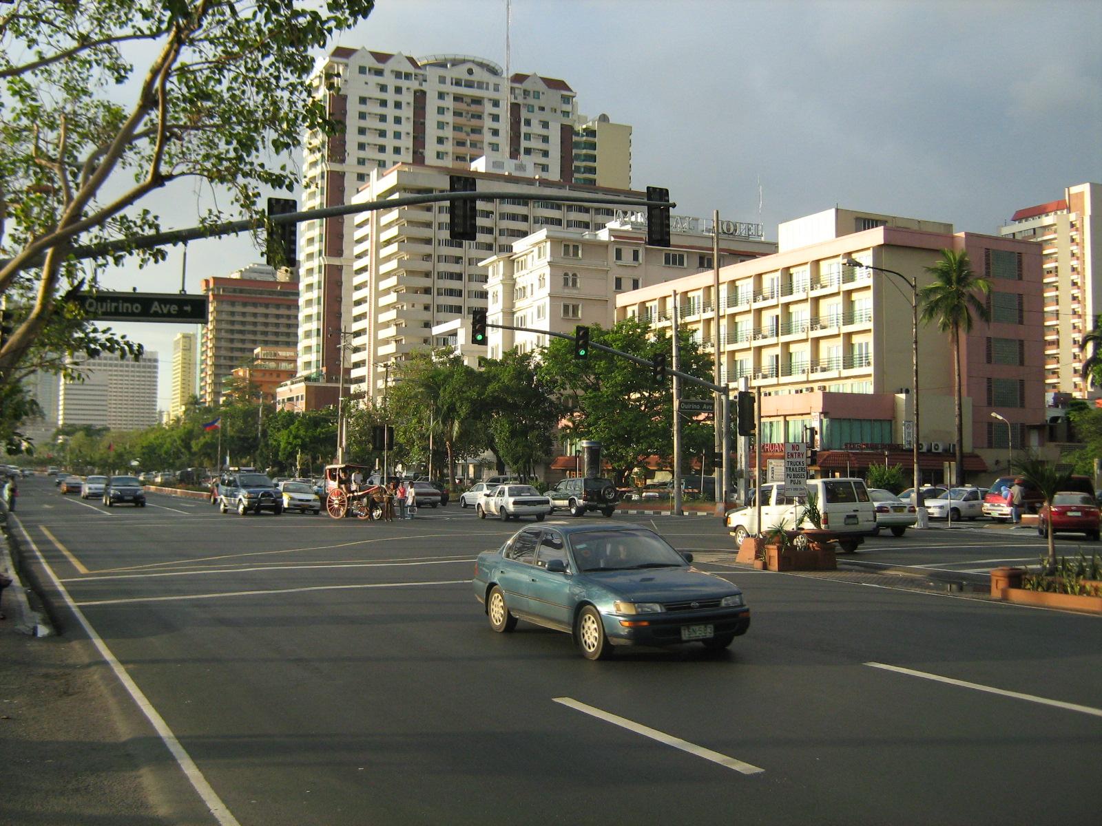 Roxas Boulevard (Wikipedia)