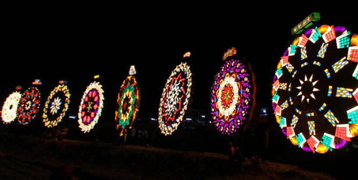 Pampanga's Giant Lantern Festival (Photo courtesy of clarkisit.com)