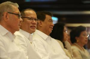 President Benigno S. Aquino III, between Senate President Franklin Drilon and Speaker Feliciano Belmonte  (Photo by Lauro Montellano, Jr. / Malacañang Photo Bureau)