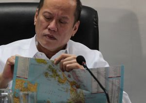 Pres. Benigno Aquino III presides the NDRRMC briefing for Supertyphoon 'Ruby' (International name 'Hagupit') (Malacanang Photo Bureau)