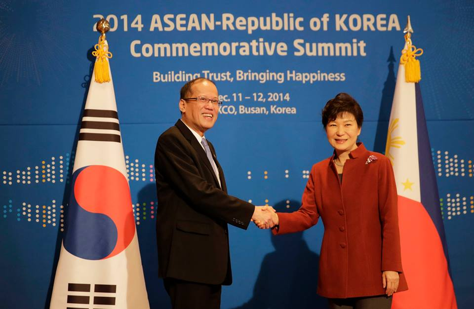 P-Noy and Korean President Park Geun-Hye during the bilateral meeting at the Peony Room of the Westin Chosun Busan Hotel on Thursday, December 11, 2014 at the sidelines of the 25th ASEAN-Republic of Korea Commemorative Summit 2014. (Malacañang Photo Bureau)