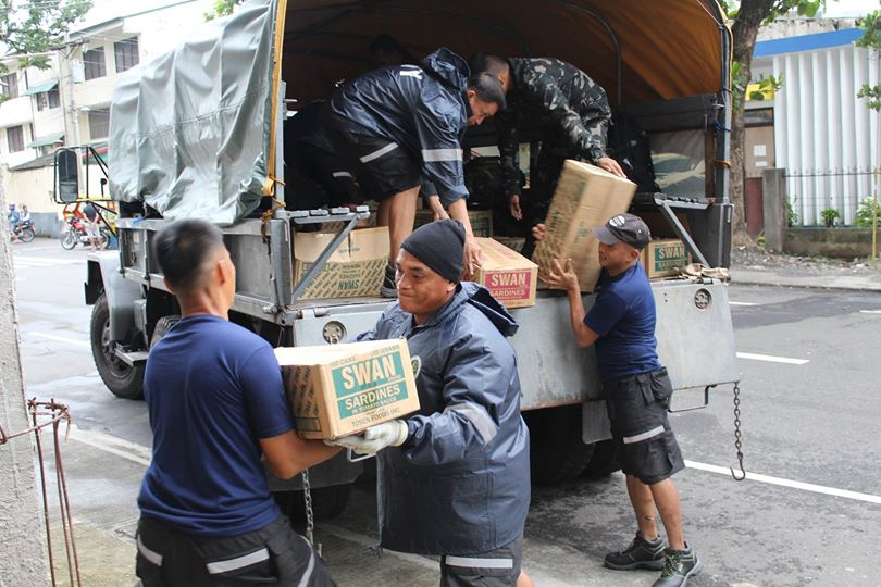 From Navforsol PN: Tabaco City, Albay — As of December 05, 2014, 11:48 a.m., a total of 240 sacks of assorted relief goods from Sunwest Corp., Brgy Bonot, Legazpi City donated to CSWD Tabaco City, were transported by NFSL DRRT. (Photo from the Official Gazette of the Republic of the Philippines)