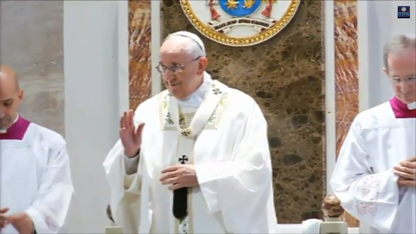 Pope Francis officiates the high mass at the Manila Cathedral on Friday, January 15, 2015.
