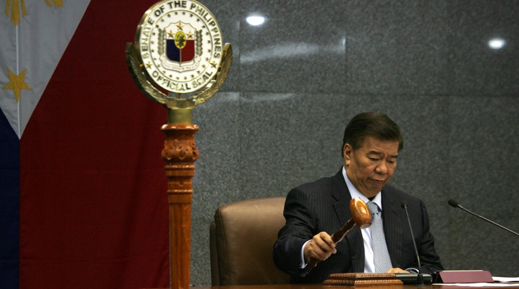 Senate President Franklin Drilon opens the First Session of the Senate for the Year 2015 on Tuesday (Jan. 20, 2015) at the Senate Building in Pasay City. (PNA photo by Avito C. Dalan)