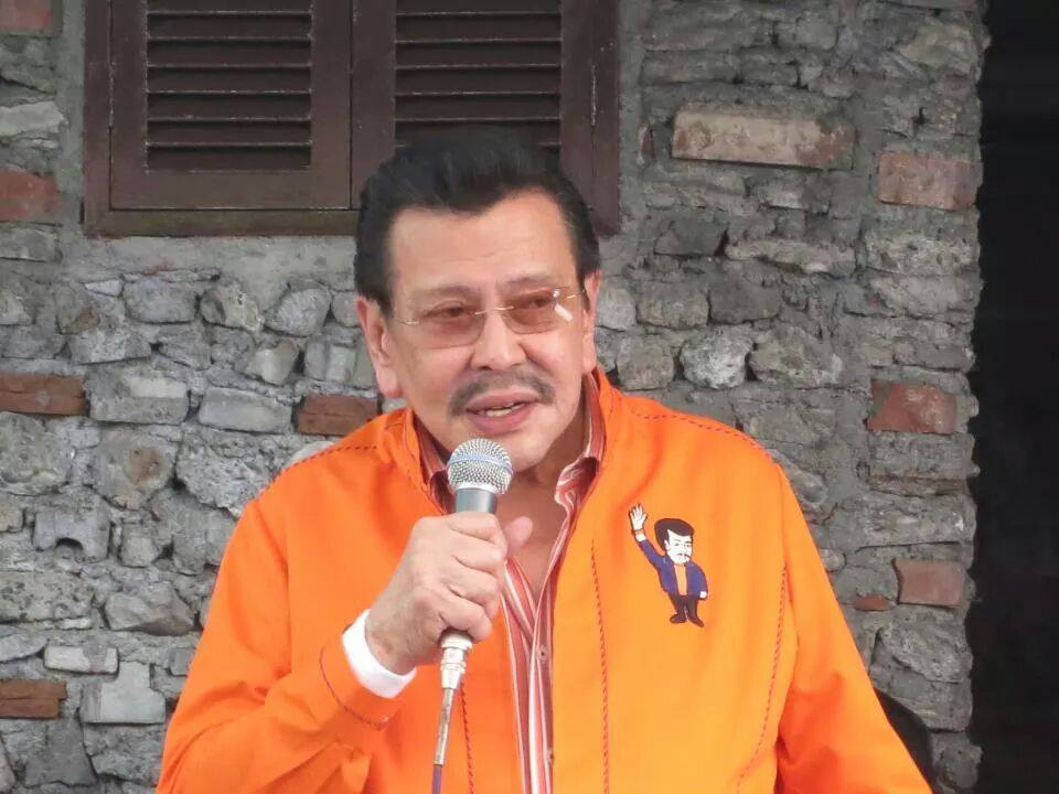 Joseph 'Erap' Ejercito Estrada is still the Mayor of Manila after the Supreme Court ruling. (Photo courtesy of Sen. Jinggoy Estrada Facebook page)
