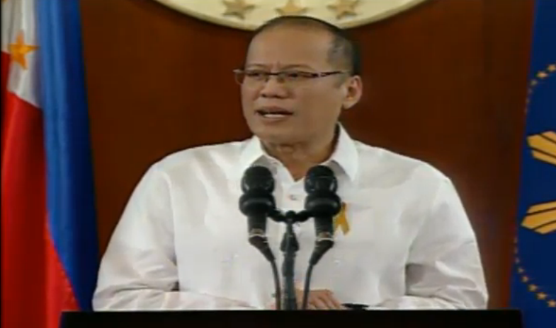 President Benigno Aquino III addresses the nation regarding the tragic misencounter in Mamasapano, Maguindanao where over 40 policemen were killed (screenshot from RTV Malacanang live stream)