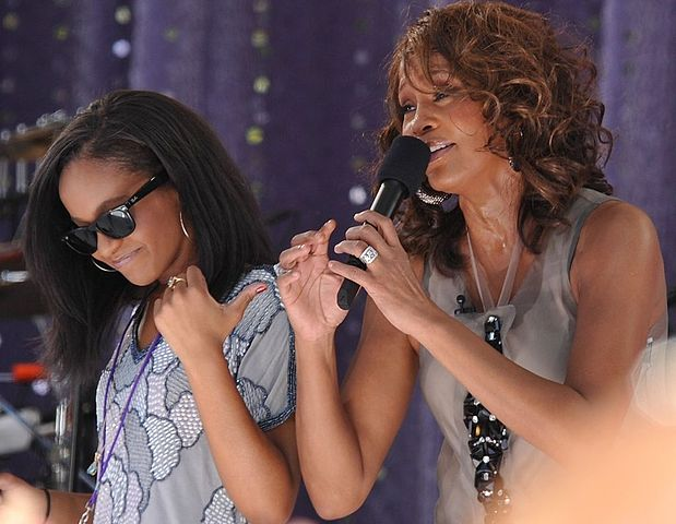"Houston performing ""My Love Is Your Love"" with her daughter Bobbi Kristina Brown on Good Morning America, September 1, 2009. Asterio Tecson / Flickr."