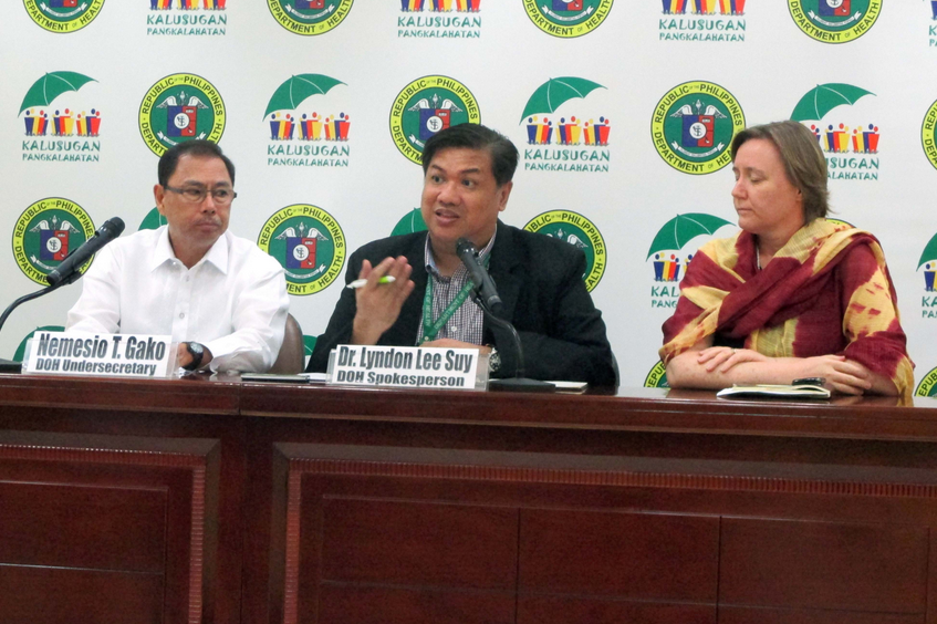 Department of Health (DOH) spokesperson Dr. Lyndon Lee Suy (center) confirms that a Filipina nurse who returned from Saudi Arabia on Feb. 1 tested positive with Middle East Respiratory Syndrome-Corona Virus (MERSCoV) during a press conference on Wednesday (Feb. 11, 2015). He said the nurse is under observation at the Research Institute for Tropical Medicine (RITM) in Alabang, Muntinlupa City and contact-tracing of her co-passengers in the plane is being done to ensure that local transmission of the disease can be prevented. At left is DOH Undersecretary Nemesio T. Gako. (PNA photo by Leilani S. Junio)