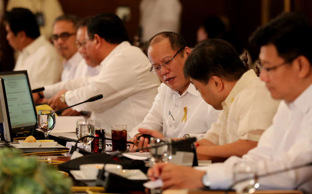 President Benigno S. Aquino III presides over the National Economic and Development Authority (NEDA) Board Meeting at the Aguinaldo State Dining Room of the Malacañan Palace on Monday (February 16, 2015). Also in photo (from left) are Presidential Communications Operations Office Secretary Herminio Coloma Jr.; Science and Technology Secretary Mario Montejo; Tourism Secretary Ramon Jimenez Jr.; Secretary to the Cabinet Jose Rene Almendras; Finance Secretary Cesar Purisima and Environment and Natural Resources Secretary Ramon Jesus Paje. (Photo by Lauro Montellano Jr./Malacañang Photo Bureau/PNA)