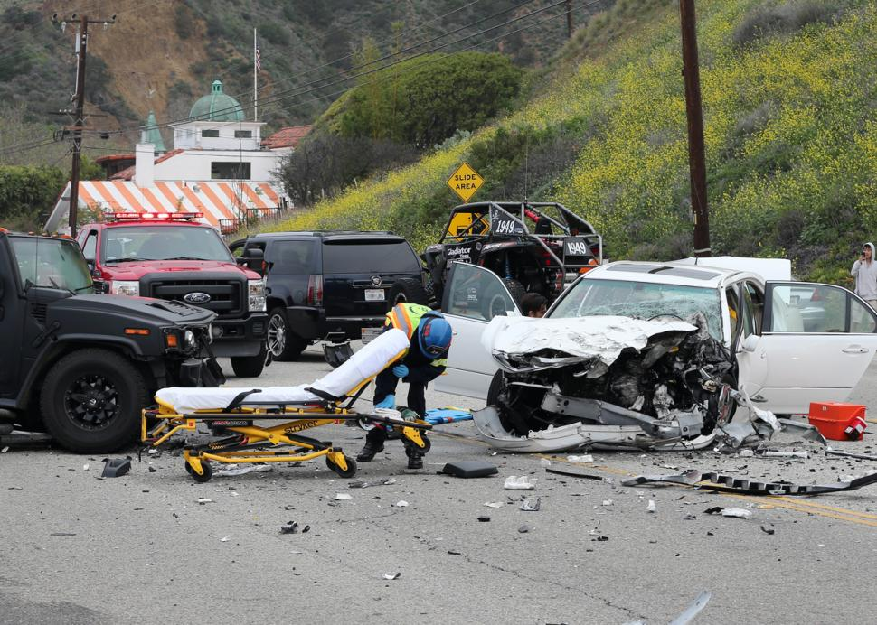 LIKE A MIRACLE Bruce Jenner survived the terrible car crash (Photo: NY Daily News)