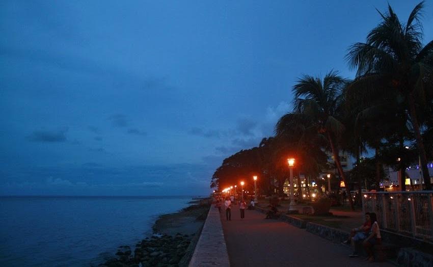 Dumaguete City baywalk (Ching Dee / PCI)
