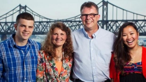 Kevin and Julia Dawn Garratt, with their children Peter and Hannah (Facebook photo)