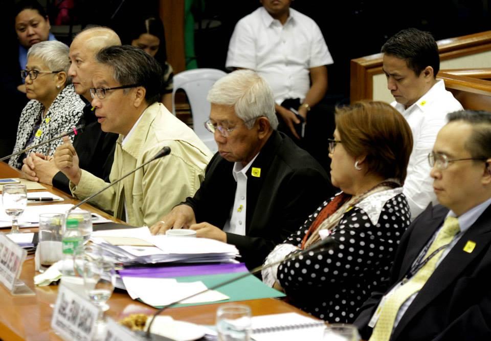 L-R: PNP OIC Leo Espina, DILG Sec. Mar Roxas, Defense Sec. Voltaire Gazmin, and Justice Sec. Leila De Lima at the Senate hearing on the Mamasapano Clash (Photo courtesy of Sen. Grace Poe's Facebook page)