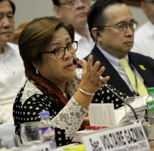 Justice Sec. Leila De Lima at the Senate hearing on the Mamasapano Clash (Photo courtesy of Sen. Grace Poe's Facebook page)