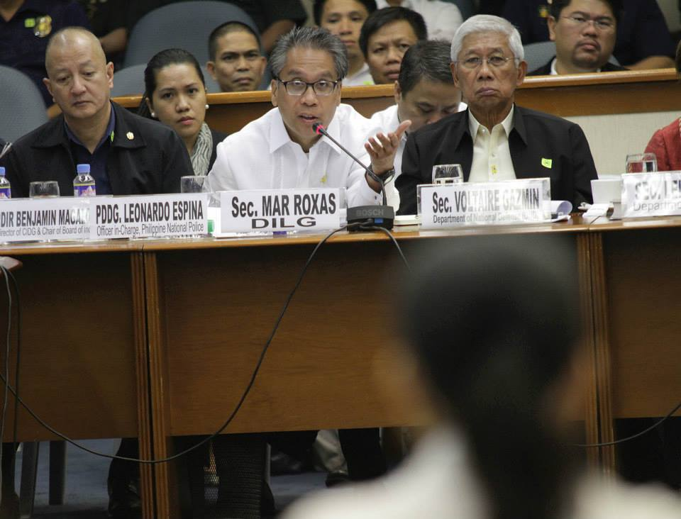 L-R: PNP OIC Leo Espina, DILG Sec. Mar Roxas, and Defense Sec. Voltaire Gazmin at the Senate hearing on the Mamasapano Clash (Photo courtesy of Sen. Grace Poe's Facebook page)