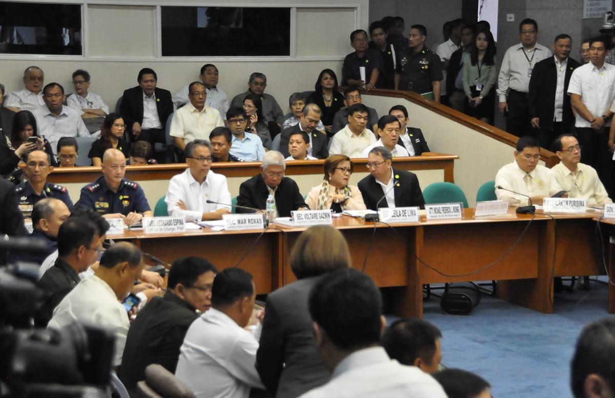 Senate hearing on the Mamasapano clash (Photo courtesy of Angara's Facebook page)