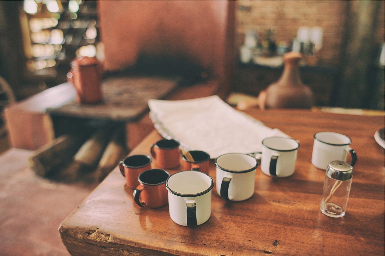 mugs-642113_1280
