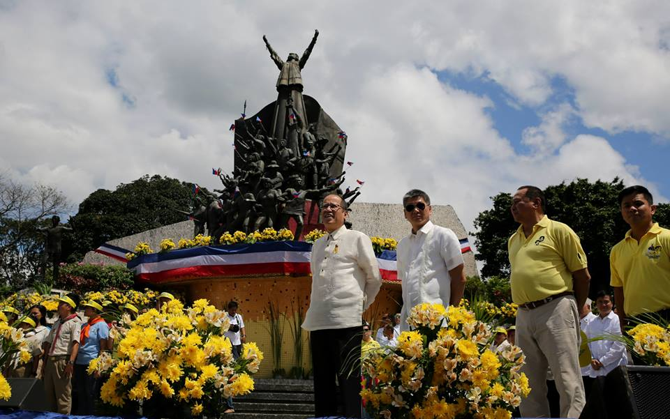 President Aquino led the commemoration of the 29th anniversary of the EDSA People Power Revolution today, February 25, 2015. After leading a wreath-laying ceremony at the People Power Monument, the President attended a Mass at the Shrine of Mary Queen of Peace, Our Lady of EDSA. (Malacañang Photo Bureau)