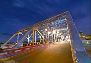 Ayala Bridge in Manila (Norman P. Aquino / Wikimapia)