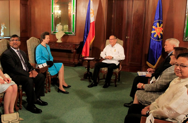 President Benigno S. Aquino III exchanges pleasantries with Princess Anne of Great Britain during a courtesy call at the Music Room of the Malacañan Palace on Tuesday (March 17, 2015). Princess Anne's visit is in connection with her charity and various humanitarian works. Also in photo are British Ambassador to the Philippines Asif Anwar Ahmad and Foreign Affairs Secretary Albert del Rosario, Justice Secretary Leila de Lima and Social Welfare and Development Undersecretary Mateo Montano. (Photo by Rolando Mailo/Malacañang Photo Bureau/PCOO/PNA)