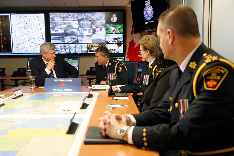 "PM Stephen Harper meets ""with the York Regional Police to discuss ways to better protect Canada from evolving threats of terrorism and extremism."" (Facebook photo)"