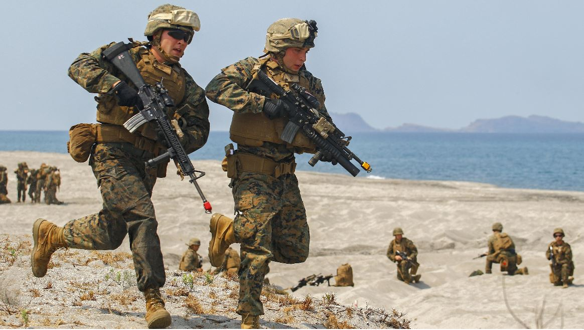 FILE PHOTO: U.S. Marines with 3rd Marine Regiment in April 21, 2015 during a bilateral amphibious landing by the Philippine and U.S. (Cpl. Matthew Bragg / US Marine Corps Website)