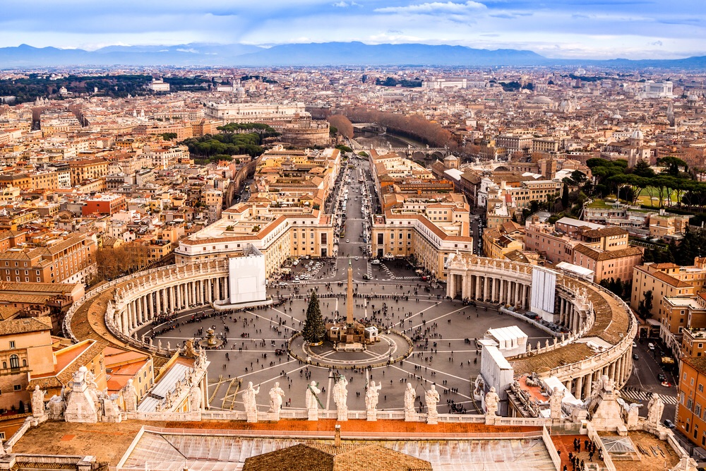 St. Peter's Square in Vatican, Rome (shutterstock)