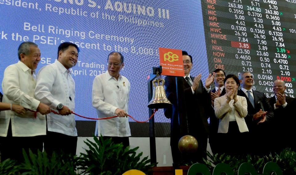 President Benigno Simeon Aquino III at the bell ringing ceremony at the Philippine Stock Exchange (Gil Nartea / Malacañang Photo Bureau)