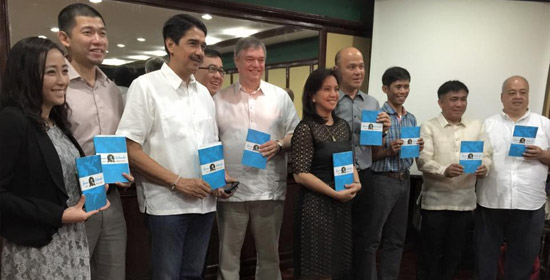 "The Jesse M. Robredo Foundation (JMRF) and the Friedrich Naumann Foundation for Freedom (FNF) members at the ""Matino at Mahusay: Best Practices of Jesse Robredo"" book launch. (Photo from FNF)"