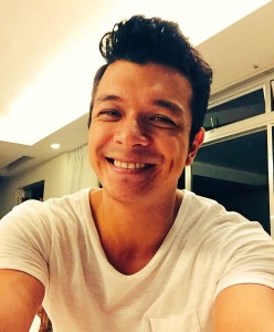 Photo from Jericho Rosales' official Facebook page.