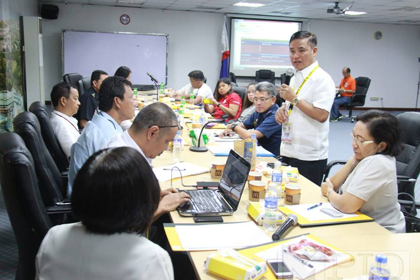 Muntinlupa City Mayor Jaime Fresnedi conducts a meeting with local officials on May 19 to discuss preparations should the predicted 7.2 magnitude earthquake hit the Philippines. (Photo from Muntinlupa PIO)