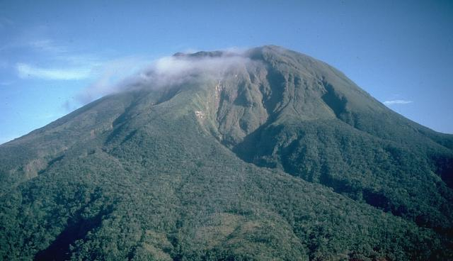Mount Bulusan (Wikipedia photo)
