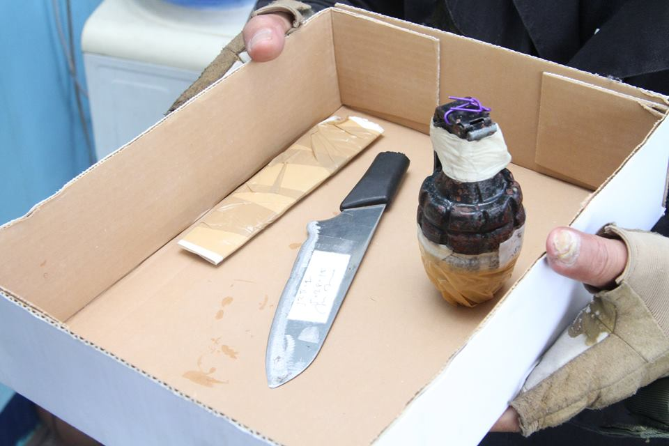 An MK2 hand grenade and a knife seized from a certain Cipriano de Guzman on Thursday (May 28, 2015) at the Ninoy Aquino International Airport (NAIA) Terminal 1. De Guzman's case remains under investigation by the Aviation Security Group of the Philippine National Police (PNP-ASG). He will meanwhile be turned over to the Pasay City Fiscal Office for inquest procedures. (PNA photo courtesy of Manila International Airport Authority)