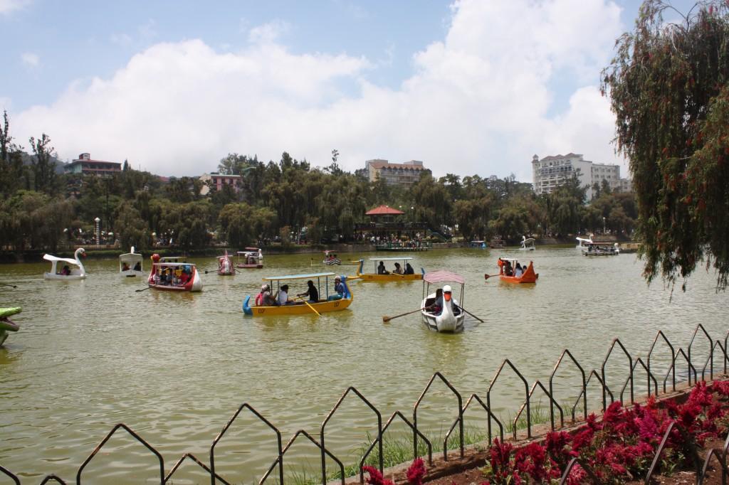 Burnham Park in Baguio City (Wikipedia)