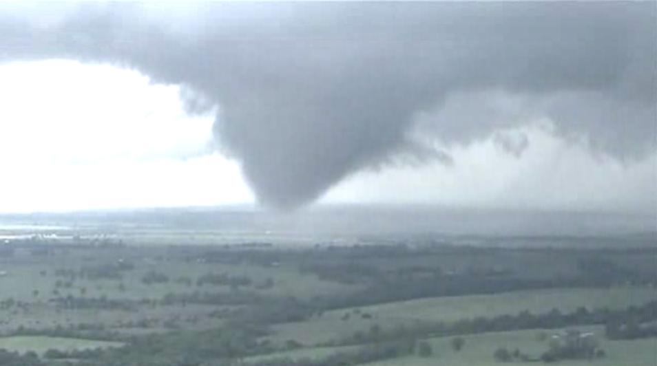 Tornadoes hit southwestern Oklahoma (screencap from AP footage)