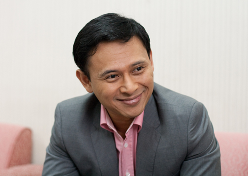 Sen. Sonny Angara (politics.com.ph)