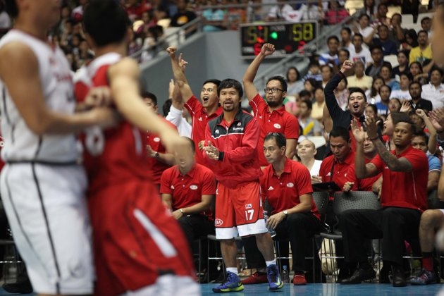 Player-coach Manny Pacquiao (Photo from KIA Sorento Basketball's Facebook page)