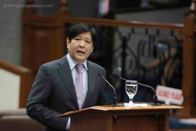 "Senator Ferdinand ""Bongbong"" Marcos delivering a privilege speech condemning the return of General Alan Purisima to active duty. (Photo from Marcos' website)"