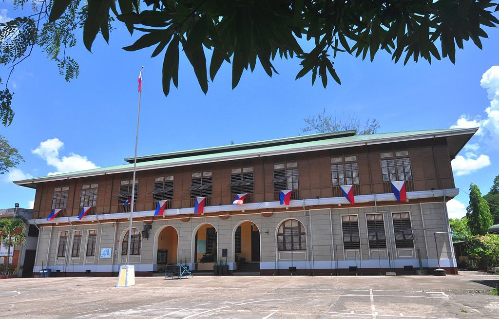 Camarines Sur National High School in Naga City is an example of a Gabaldon-style building (Jun Pasa / Wikipedia)