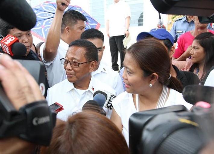 Sen. Nancy Binay with father Vice President Jejomar 'Jojo' Binay (Facebook)