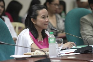 Sen. Grace Poe leads the Senate committee hearing on party drugs and drug rehabilitation issues (Facebook photo)