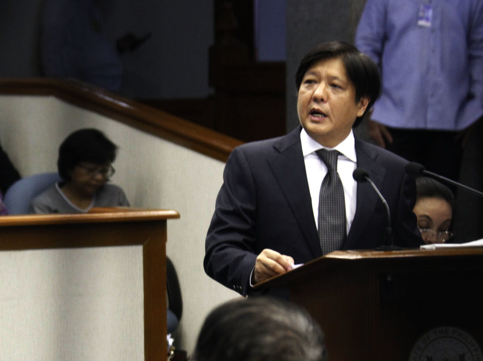 Senator Ferdinand R. Marcos Jr. (at rostrum) delivers his sponsorship speech on Senate Bill No. 2894 or the Proposed Bangsamoro Basic Law (BBL) at the Senate Session Hall on Wednesday (Aug. 12, 2015). (Avito C. Dalan / PNA)
