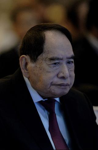 Henry Sy, whose firm owns SM Supermalls, has been named as the richest Filipino for the past eight years. (Photo from Forbes)