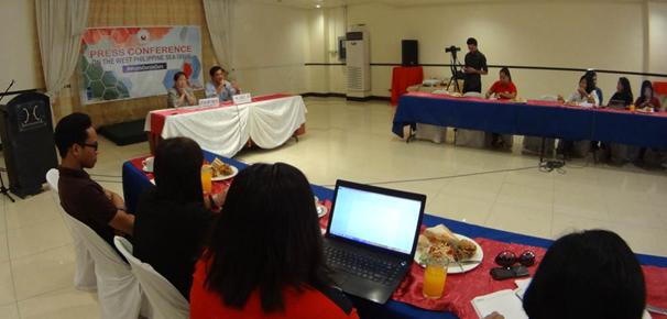 Assistant Secretary Jose with PIA Regional Director Iloilo Atty. Ma. Janet C. Mesa hold a press conference at the Iloilo Grand Hotel